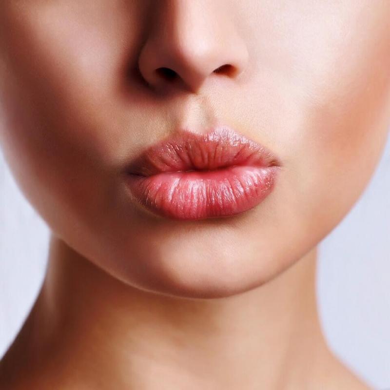 Попълване на устни