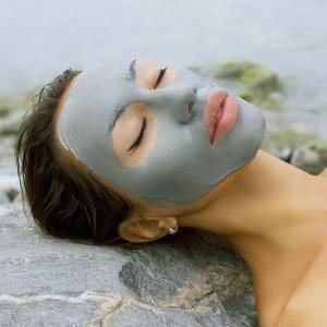 Лечебна терапия за мазна и проблемна кожа с морски водорасли, морска кал и цинк